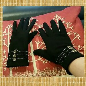 Accessories - NEW  Black Winter Texting Gloves